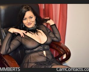 Glamoursse dark haired! Let me be your hottest desire